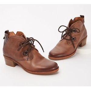 Pikolinos Leather Lace-Up Siena Ankle Boots